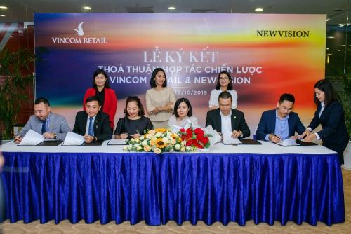 Euro Group ký kết hợp tác phân phối chiến lược Vincom Retail tại Grand World Phú Quốc
